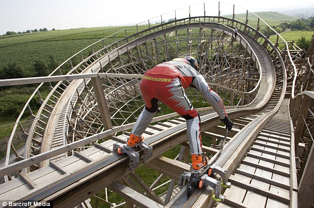 dirkauerdvice1 thumb 634x421 21130 Dare of the day: Rollerblader goes rollercoaster | DVICE