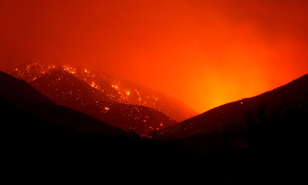 c32 20172083 Wildfires in Southern California   The Big Picture   Boston.com
