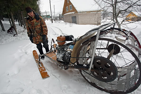 3S6Z3132 Russian homemade snowmobiles