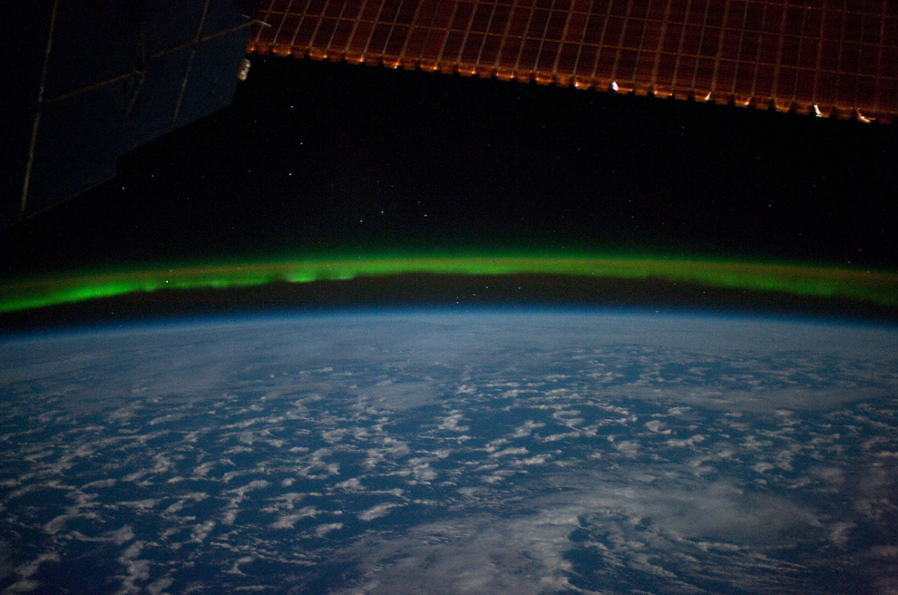 i37 23E16645 Journeys to the International Space Station