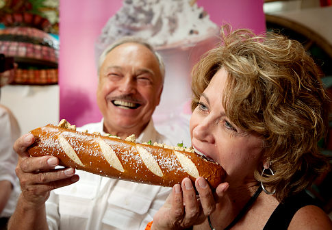 alg trudy trant Serendipity, Serves the Most Expensive Weiner
