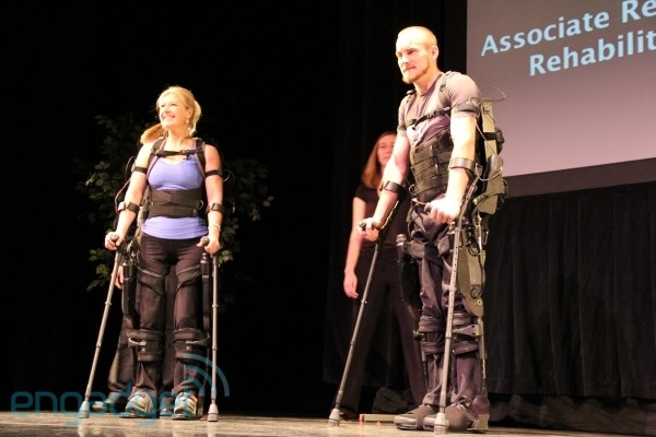 10 7 10 berkeleybionics600 Berkeley Bionics reveals eLEGS exoskeleton, aims to help paraplegics walk in 2011