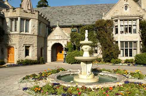 playboymansion Playboy mansion gives out illnesses..