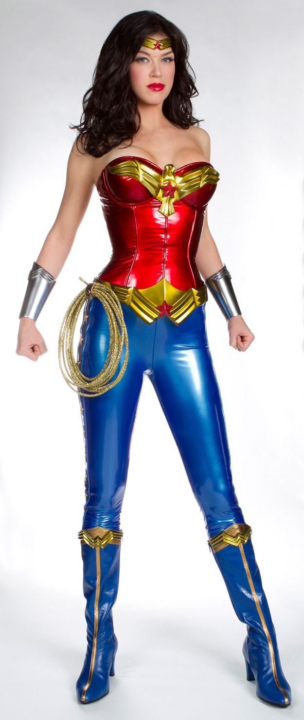 palickiwwcostume2 First Look at Adrianne Palicki as Wonder Woman