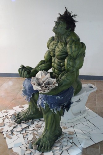 Hulk on a toilet 333x500 HULK SMASH TOILET
