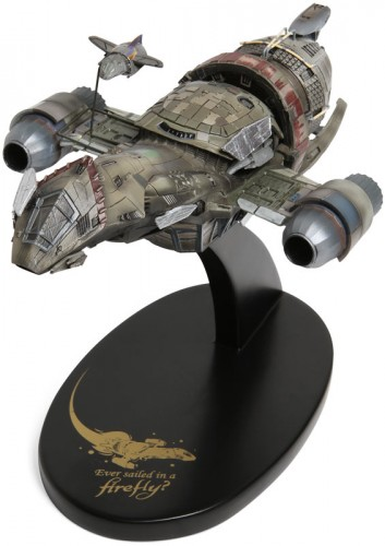 eb82 serenity desk model 353x500 Firefly Serenity 1/400 Scale Model