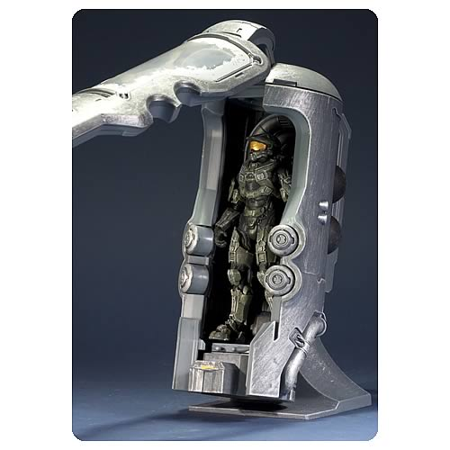 MF19171lg Halo 4 Frozen Master Chief with Cryotube Deluxe Figure