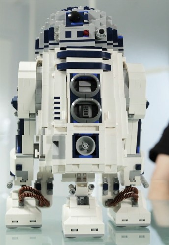 r2 d2 lego 344x500 LEGO Star Wars Ultimate Collector's Series R2 D2