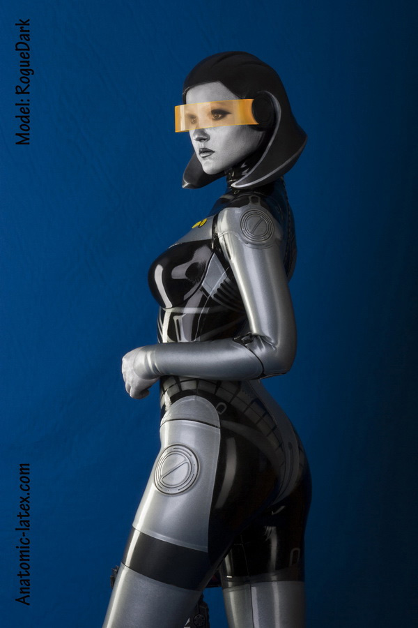 "edi3 An Amazing Latex ""Mass Effect"" EDI Cosplay"