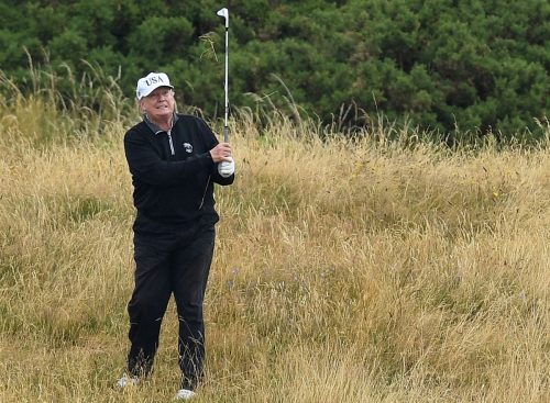 BF3I2PUR5VBNXI6AJC774UV75E 500x367 Trump spends day two of national emergency golfing, snagging an omelette