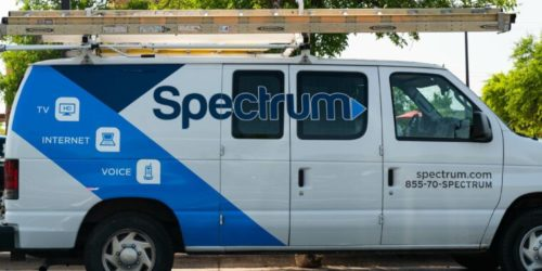 charter spectrum van 760x380 1 500x250 Charter can charge online video sites for network connections, court rules