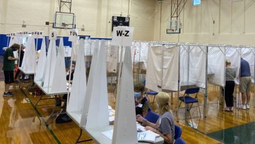 EEEH7SKHBFKWHVUXQW4MK4AMCQ 500x282 N.H. woman votes topless after she was told she couldn't wear an anti Trump shirt at the polls   The Boston Globe