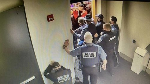capitol footage still wide fd6db76d4f1e5b51efe143caa2b5a4060ef438cc 500x281 Oregon Lawmaker Who Opened State Capitol To Far Right Protesters Faces Charges